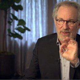 Steven Spielberg (Regisseur, Produzent) über die Funktion der Pferde im Film - OV-Interview