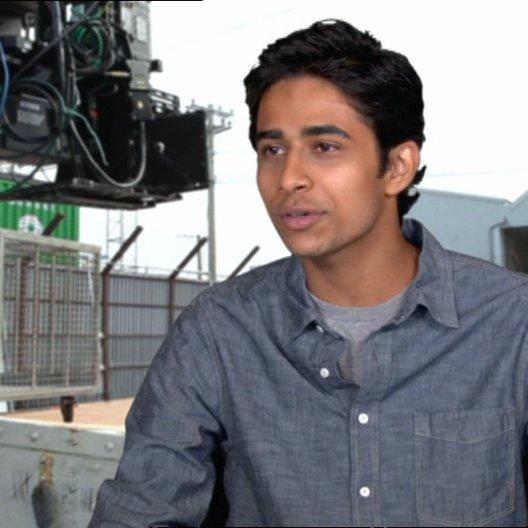 """Suraj Sharma - """"Pi Patel"""" über wie er die Rolle bekam - OV-Interview"""