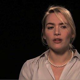 Kate Winslet über die Herausforderung, eine Betrunkene zu spielen - OV-Interview