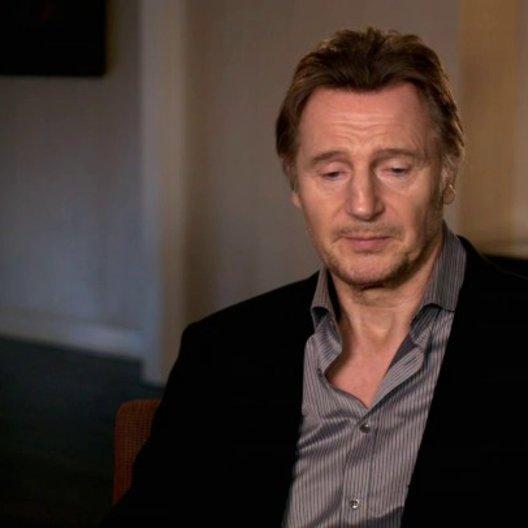 Liam Neeson - Bill Marks - über die Dreharbeiten in einem Flugzeug - OV-Interview