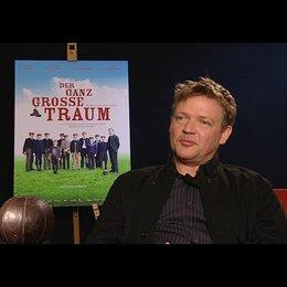 Justus von Dohnanyi (Richard Hartung) darüber was einen guten Lehrer ausmacht - Interview