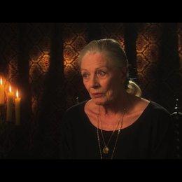 Vanessa Redgrave über Roland Emmerich - OV-Interview Poster