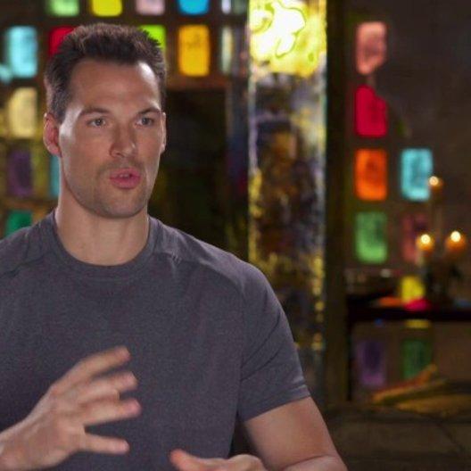 Daniel Cudmore - Colossus - über die Gefahr, die die Sentinels darstellen - OV-Interview