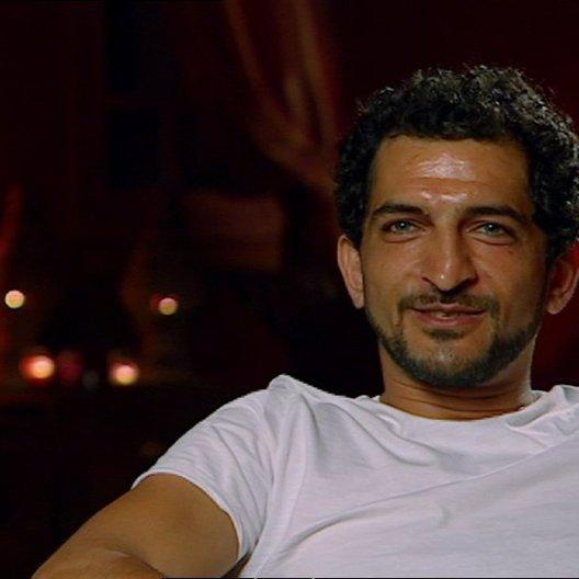 Amr Waked - Scheich Muhammed über den Filmtitel - OV-Interview Poster