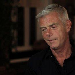Stephen Daldry über die drei Hauptcharaktere - OV-Interview Poster