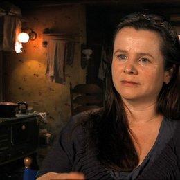 Emily Watson - Rosa - über Sophie Nélisse als Liesel - OV-Interview Poster