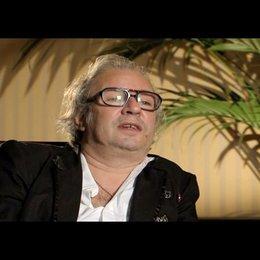 L. Haussmann über das Thema des Films - Interview Poster