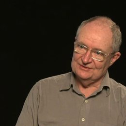Jim Broadbent über Roger Michell - OV-Interview