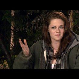 Kristen Stewart (Bella Swan) - über das Hochzeitskleid - OV-Interview