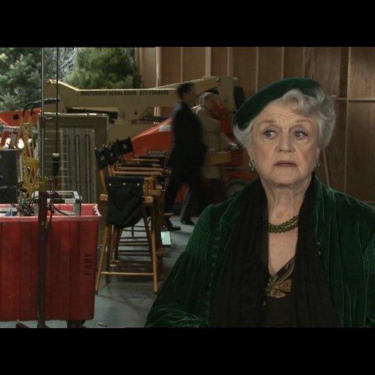 Angela Lansbury über das was das Publikum erwarten kann - OV-Interview Poster