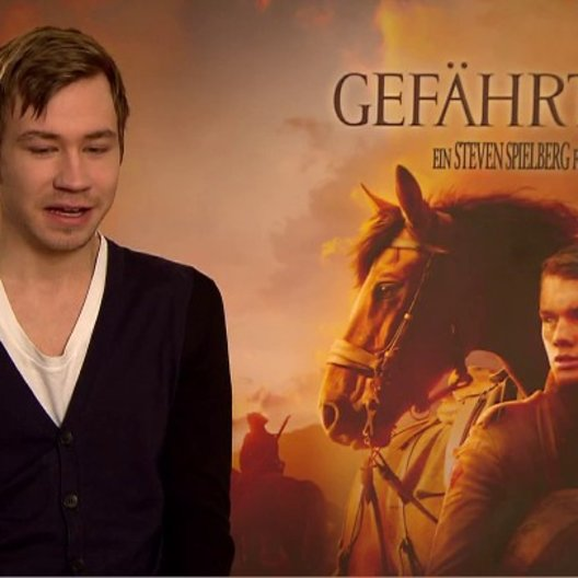 David Kross (Gunther) über das Set - Interview Poster