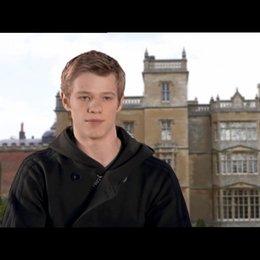 Lucas Till über die Geschichte - OV-Interview