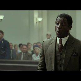 Mandela und seine Mitstreiter vor Gericht - Szene Poster