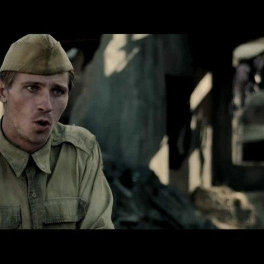 Garrett Hedlund über die Teamarbeit von Angelina Jolie und Kameramann Roger Deakins - OV-Interview