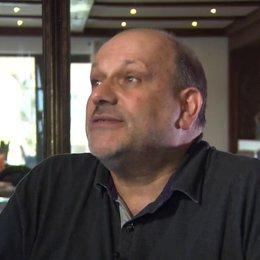 Eran Riklis (Regie) Würden israelische Eltern einen arabischen Jungen für ihre Tochter akzeptieren - OV-Interview