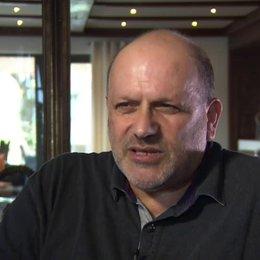 Eran Riklis (Regie) Haben Diskriminierungen arabischer Israelis momentan zugenommen - OV-Interview