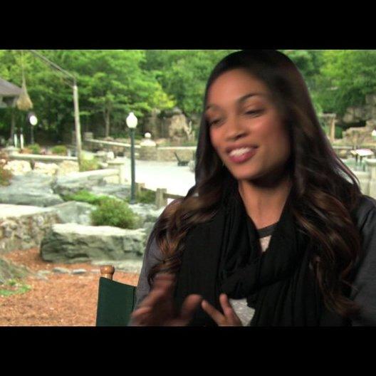 Rosario Dawson über die Tiere am Set - OV-Interview