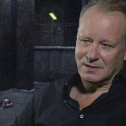 STELLAN SKARSGARD - Seligman - über seine Rolle - OV-Interview