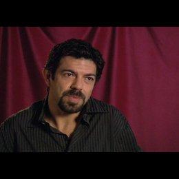 "Pierfrancesco Favino (""Inspector Olivetti"") über seine Rolle - Trailer Poster"