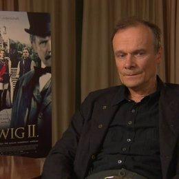 Edgar Selge über Wagners Verfassung, als Ludwig ihn an den Hof holt - Interview Poster