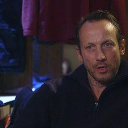Wotan Wilke Möhring (Stephan) über seine Rolle - Interview Poster