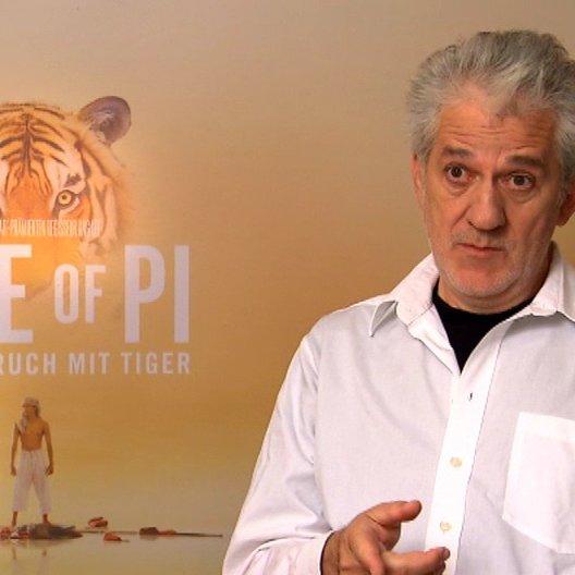 Ilja Richter über die Art seiner Rolle, die im Film von Irrfan Khan gespielt wird - Interview Poster