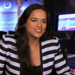 Michelle Rodriguez - Paz - darüber, wie eine Animation zum Leben erwacht - OV-Interview Poster