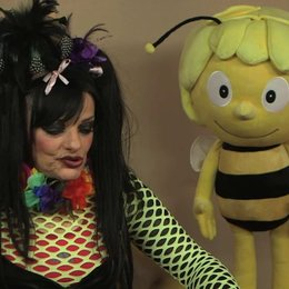 Nina Hagen über den Charme der Biene Maja - Interview Poster