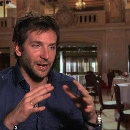 Bradley Cooper - Richie DiMaso - über Christian Bale - OV-Interview