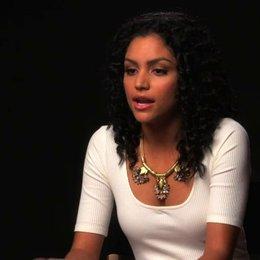 Bianca Santos über die Tonalität des Films - OV-Interview