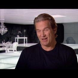 Jeff Bridges (Kevin Flynn - Clu) über Olivia Wilde und ihr Training für den Film - OV-Interview Poster