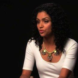 Bianca Santos über die Hauptgefahr im Film - OV-Interview