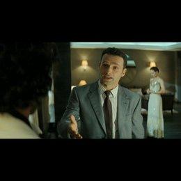 Alex trifft auf Juliettes Verlobten - Szene Poster