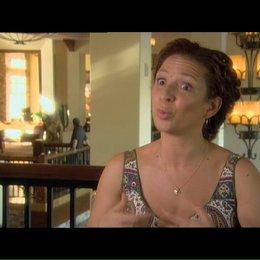 Maya Rudolph über den Gedanken zu Hause zu bleiben - OV-Interview Poster