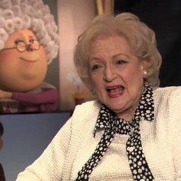 Betty White über die Sprachaufnahmen - OV-Interview Poster