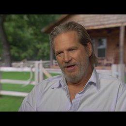 Jeff Bridges (Rooster Cogburn) über die Cowboyhüte der Coen Brüder - OV-Interview Poster