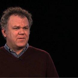 John C Reilly über die Verfilmbarkeit des Stücks - OV-Interview Poster