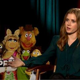 Amy Adams (Mary) über ihre Liebe für die Muppets - OV-Interview Poster