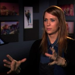Kristen Wiig über Lucy und Gru - OV-Interview Poster