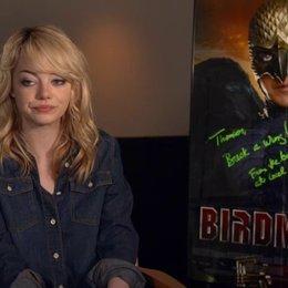 Emma Stone  - Sam - darüber, was Riggan motiviert Birdman wieder zu beleben - OV-Interview