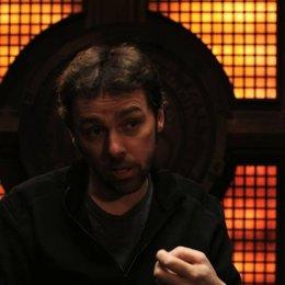 Michael Bassett über wiederkehrende Charaktere aus dem ersten Teil - OV-Interview Poster