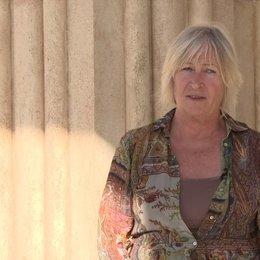 Janty Yates über die Arbeit mit Arthur Max - OV-Interview Poster