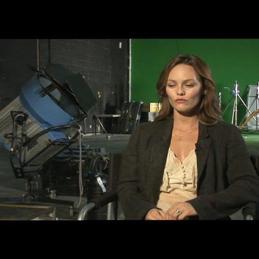 Vanessa Paradis über ihr Interesse am Drehbuch - OV-Interview Poster