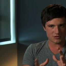 Josh Hutcherson über seine weiblichen Ko-Stars Adrianne Palicki und Isabel Lucas - OV-Interview