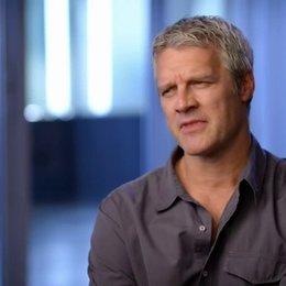 Neil Burger - Regisseur - was die Zuschauer bei dem Film mitnehmen koennen - OV-Interview Poster