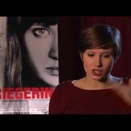 Alina Levshin über ihre Hoffnungen für den Film - Interview Poster