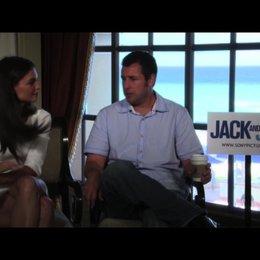 Adam Sandler über die Herausforderung, zwei verschiedene Rollen zu spielen - OV-Interview
