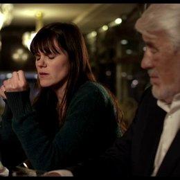 Ada und Nino an der Bar - Szene