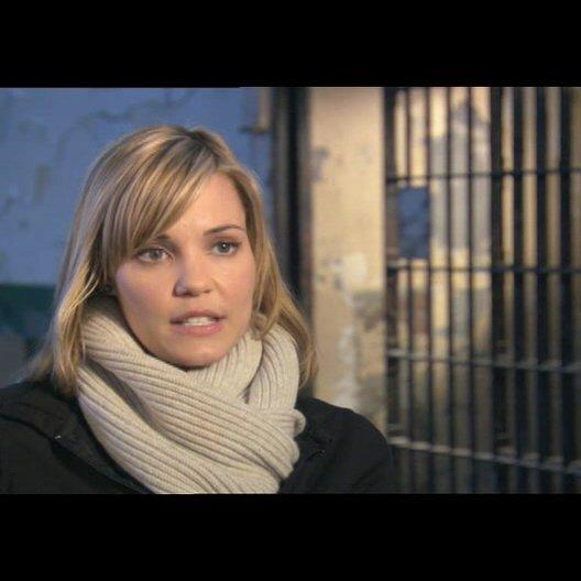 Leslie Bibb über den Stil des Films - OV-Interview