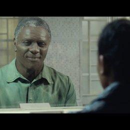 Mandela und Zindzi sehen sich nach elf Jahren wieder - Szene Poster